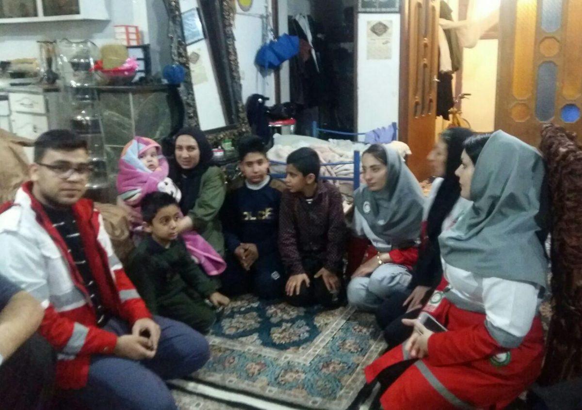 گزارش فعالیت های انجمن مددکاران اجتماعی استان کرمانشاه و کلینیک مددکاری اجتماعی همراز در بحران سیل فروردین ۹۸